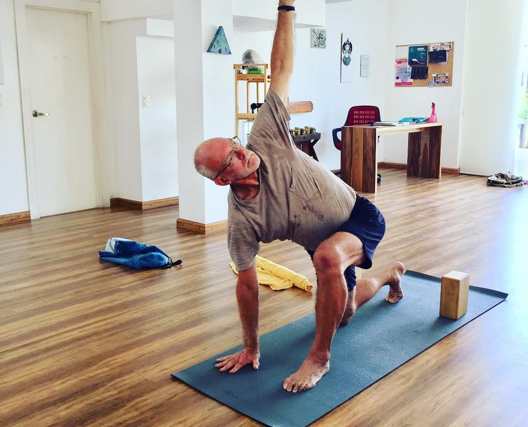 yoga-adapted-to-seniors